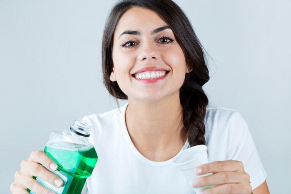 iltihaplı diş ağrısına gargara yapın