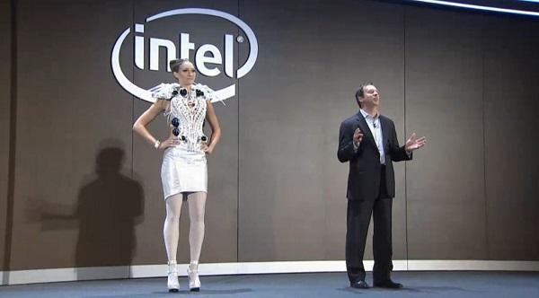 teknolojik elbise